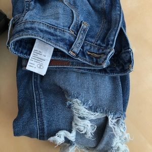 Ultra high rise mom jean from Hollister size 27